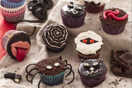 cupcake Halloween ragno ragnatela fantasma vermi ricetta