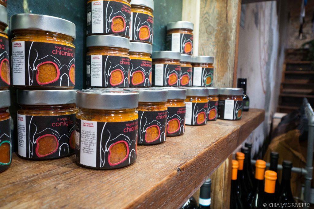 Maledetti Toscani store Torino Montepulciano pelle food ragù chianina