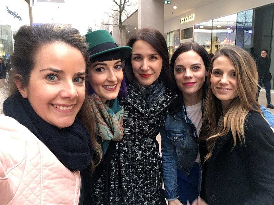 Torino Outlet Village party inaugurazione store firme negozi shopping Torino Fashion Bloggers Elena Schiavon Sonia Grispo