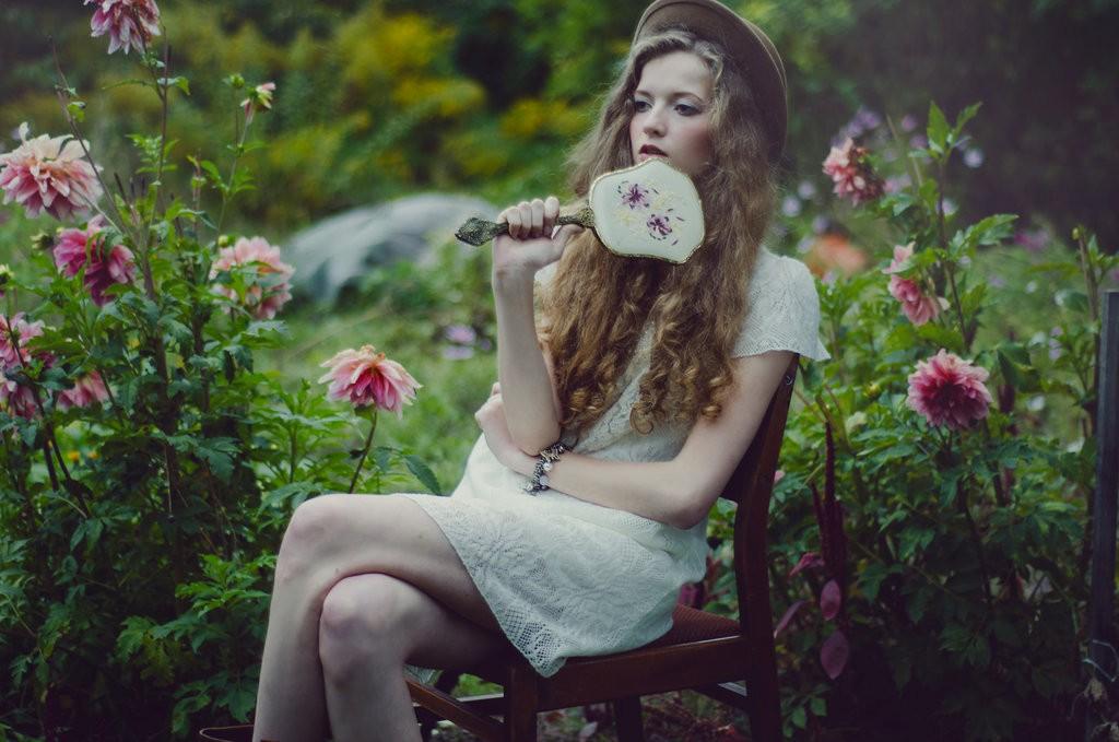 lady_of_the_secret_garden_ii_by_redwis-d6nua2u