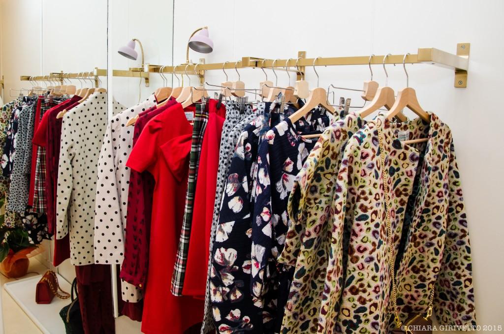 abiti capi abbigliamento shopping colore stampe