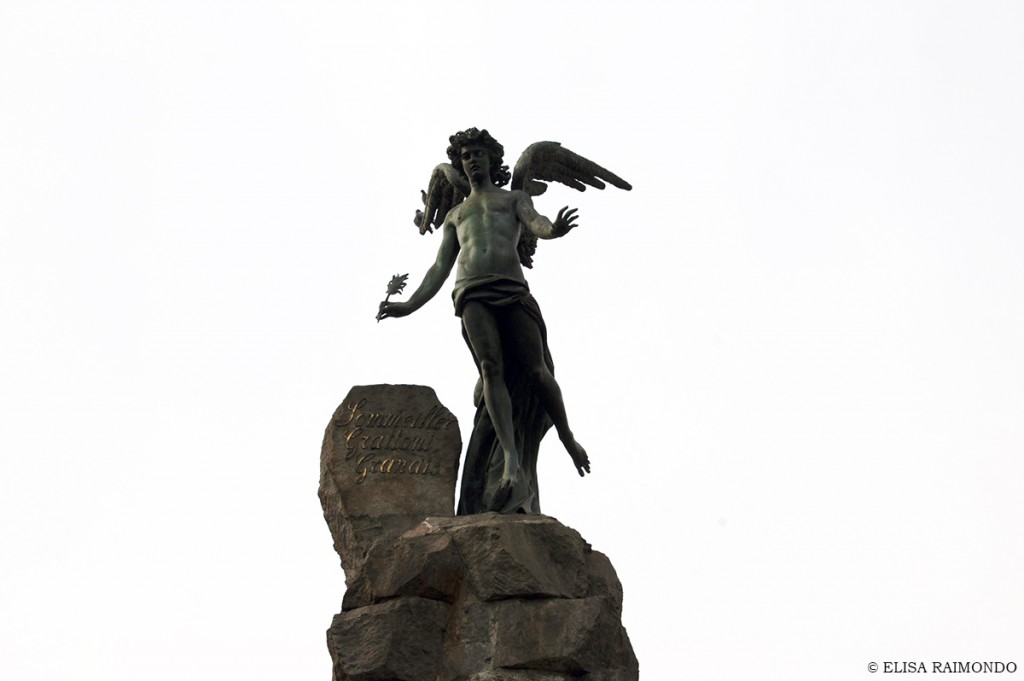 angelo genio alato piazza statuto elisa raimondo