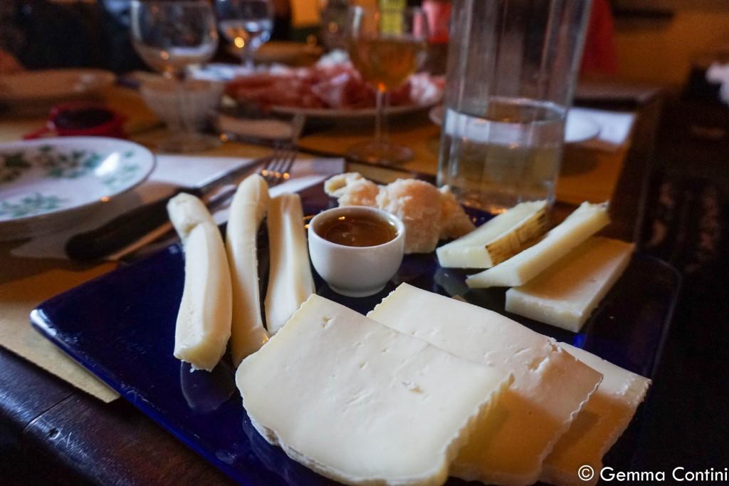 I formaggi da accompagnare alle tigelle Da Emilia