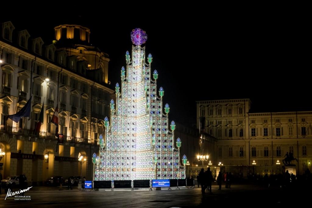 luminarie albero natale torino piazza castello luci