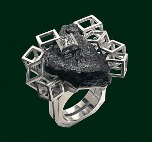 Enrico Cirio anello scheggia di cannone metallo gioiello