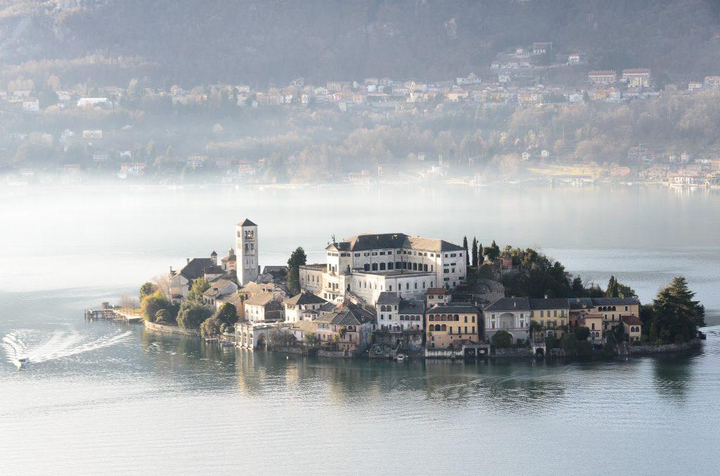 Isola di San Giulio Lago d'Orta monastero
