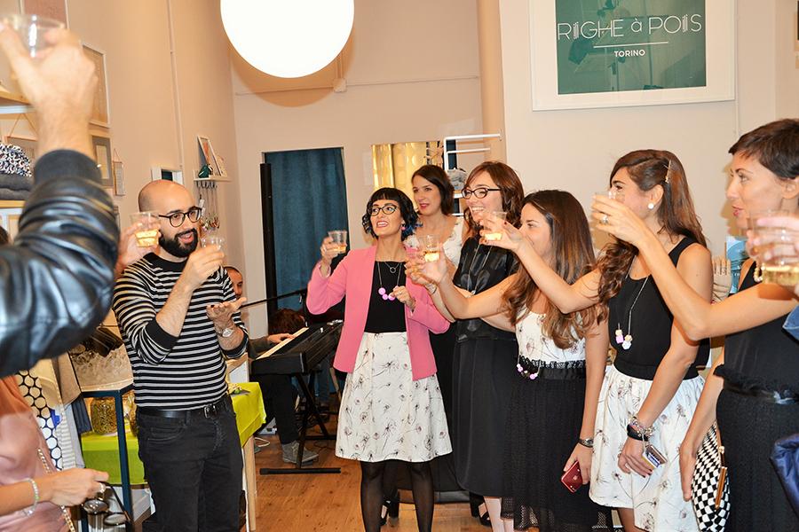Torino Fashion Bloggers Righe à Pois festa negozio party brindisi calici